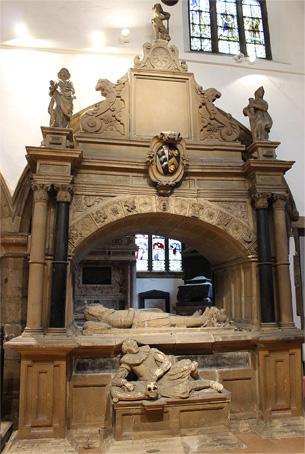 1614-Renaissance-Monument